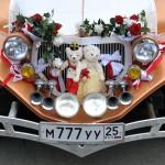 Foto di matrimonio in Russia, foto ricordo sulla baia a Vladivostok sull'Oceano Pacifico photos of weddings in Russia reportage style Vladivostok © Nicola De Marinis