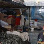 Romania Un uomo anziano ed un bambino in un quartiere disagiato della periferioa di Iasi