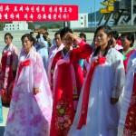 corea del nord, donne della città di raijin inquadrtati alla cerimonia di innaugurazione