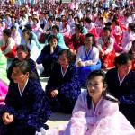 corea del nord, abitanti della città di raijin inquadrtati alla cerimonia di innaugurazione