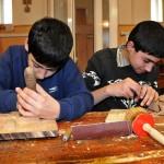 giovani profughi nei laboratori scuola della Caritas di Tblisi young refugees in the laboratory school of Caritas in Tbilisi ph © Nicola De Marinis