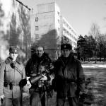 L'autore del reportage Nicola De Marinis con le guardie dell'istituto The author of the report Nicola De Marinis with guards Institute