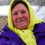 Transnistria, confine Moldavo, donna anziana durante una tormenta di neve Ph © Nicola De Marinis