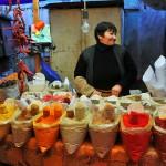 venditrice di spezie al mercato di tblisi woman selling spices at the market in tbilisi ph © Nicola De Marinis