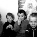 Bambini dell'orfanotrofio durante la merenda Orphanage children during snack ph © Nicola De Marinis