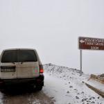 la strada innevata che conduce allo sperduto villaggio di Tabatskuri sul Caucaso centrale the snow-covered road leading to the remote village of Tabatskuri the Central Caucasus ph © Nicola De Marinis