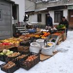 Georgia un piccolo mercato di ortaggi sulle montagne del Caucaso lungo la strada per Tblisi Georgia is a small market of vegetables Caucasus Mountains on the way to Tbilisi ph © Nicola De Marinis