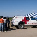 un mezzo della croece rossa ungherese nel campo profughi a idomeni in grecia