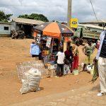 un chiosco che vende di tutto a yaoundè in camerun