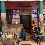 uno studio fotografico a yaoundè in camerun