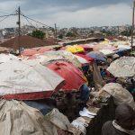 veduta del mercato di yaoundè in camerun