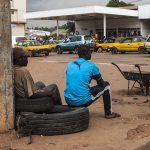 una via di yaoundè la capitale del camerun