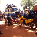 Mali, una stazione di bus lungo la strada verso Bamako