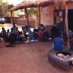 Mali, ultimo posto di ristoro prima della pista per Niorò du Sael verso la Mauritania