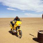 Niger, controllo satellitare al bivio per Arlit Honda Transalp modificata per grandi raid nel deserto