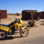 Niger, lungo la strasda verso Agadez s'incontrano venditori di legna