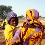 Niger, incontri con persone lungo la strada verso Niamey