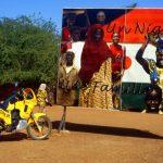 Niger, un cartello che reclamizza l'ugualglianza tra oi popoli