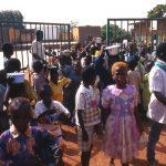 Burkina Faso, all Missione oggi è giorno di festa, c'e'un pasto per tutti