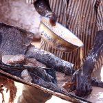 Burkina Faso, particolare del filtraggio dell'acqua per l'estrazione dell'oro alle miniere di Yako