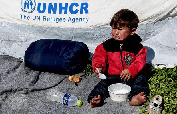 Idomeni frontiera Grecia Macedonia / Bambino Profugo Siriano foto © Nicola De Marinis