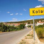 Europa, croazia, la strada verso il villaggio di kolan isola di pag, reportage in croazia sull'isola di pag, isola unica nel suo genere