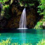 Croazia ,una cascata ai laghi di Plitvice