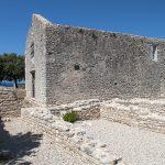 i resti della chiesa di Santa Maria Maddalena eretta nel 1414 a osor isola di cres