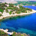 Croazia, una caletta nellla baia a Simuni