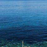 un molo sul lungo mare a martinscica sull'isola di cres