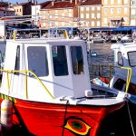 barche ormeggiate nel porto di cres in croazia