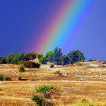 Croazia l'arcobaleno dopo un temporale sui Monti Velbiti di ritorno dai laghi di Plitvice