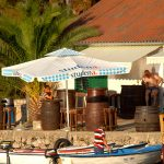 europa, croazia un pub nel porticciolo del villaggio di pescatori di Mandre