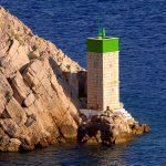 Croazie Isola di pag il faro a Paski Most nel canale dei monti velbiti