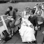 Foto matrimonio stile reportage,Cernobbio. Foto sul Battello in navigazione. Matrimonio sul lago di Como.Photo wedding style reportage, Cernobbio. Photos on the boat in navigation. Wedding on Lake Como. Photo © Nicola De Marinis