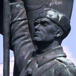 una statua in bronzo al museo del comunismo Szoborpark nell aperiferia di Budapest