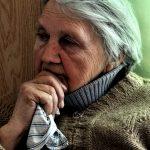 Tblisi, donna anziana al centro Caritas per i rifugiati