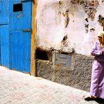 Marocco, una donna nella medina di Essaouria