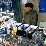 Romania,Un banco di ferramenta al mercato di Iasi