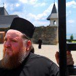 Romania, un monaco Ortosso al monastero di Hadămbu nei pressi di Iasi